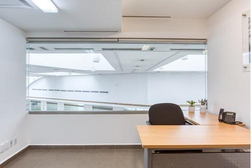 se renta excelente oficina amueblada para 4 personas en interlomas.