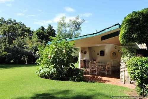 se renta hermosa casa de un nivel con amplio jardín en limoneros clave