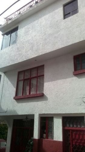 se renta hermosa casa en zona privilegiada, aproveche!