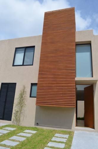 se renta hermosa casa nueva en zakia
