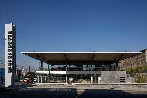 se renta local comercial en plaza san esteban ( 441772 )
