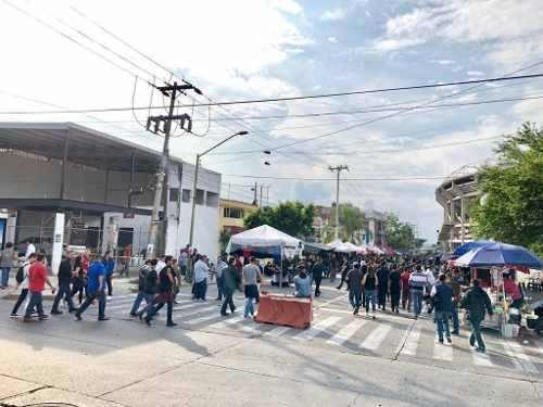 se renta local comercial | frente estadio jalisco