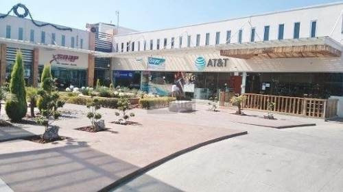 se renta local dentro de plaza comercial en metepec