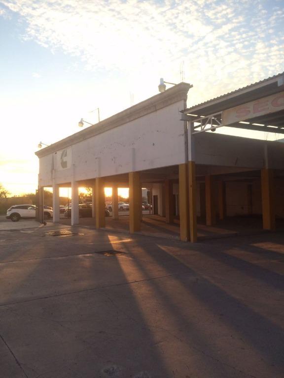 se renta local industrial comercial en haciendas del sol.