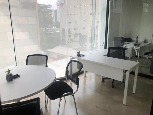 se renta oficina amueblada en colonia juarez para 12 personas.