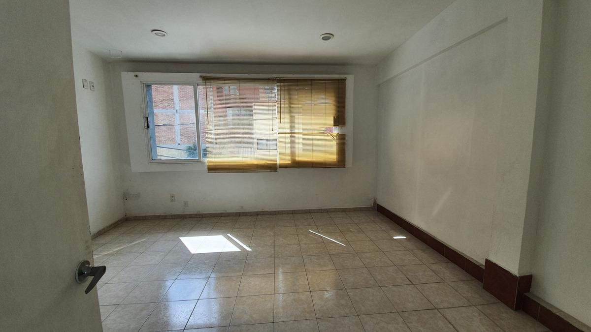 se renta oficina de 80m² y/o bodega nueva.