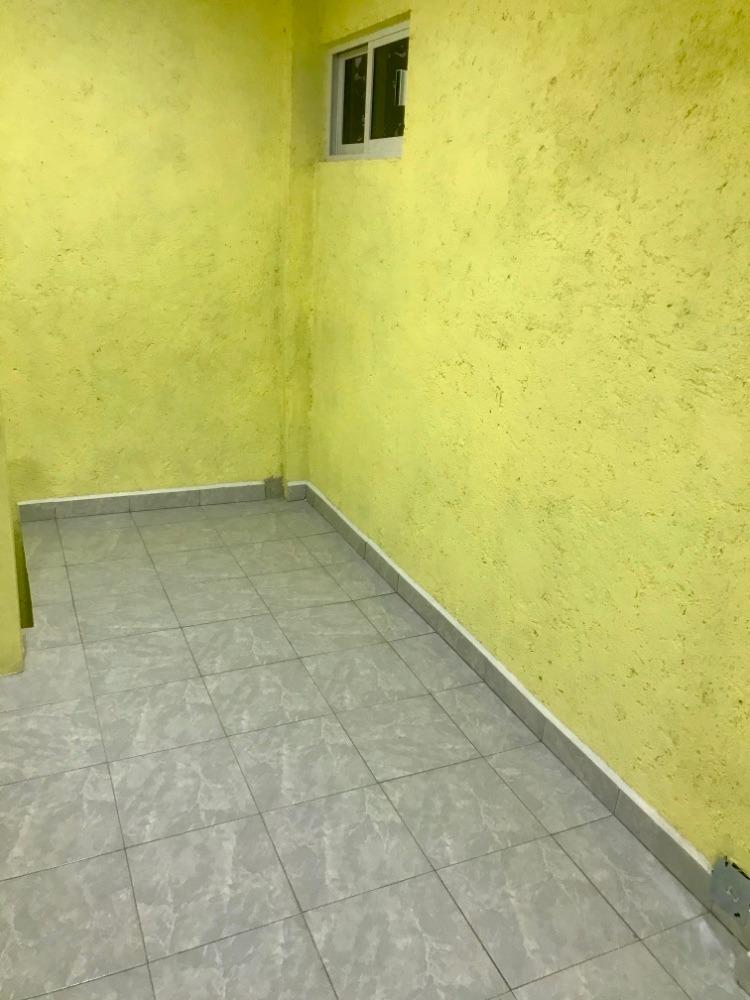 se renta oficina ó consultorio, con sala de espera