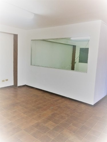 se renta oficinas excelente ubicación en col. centro.