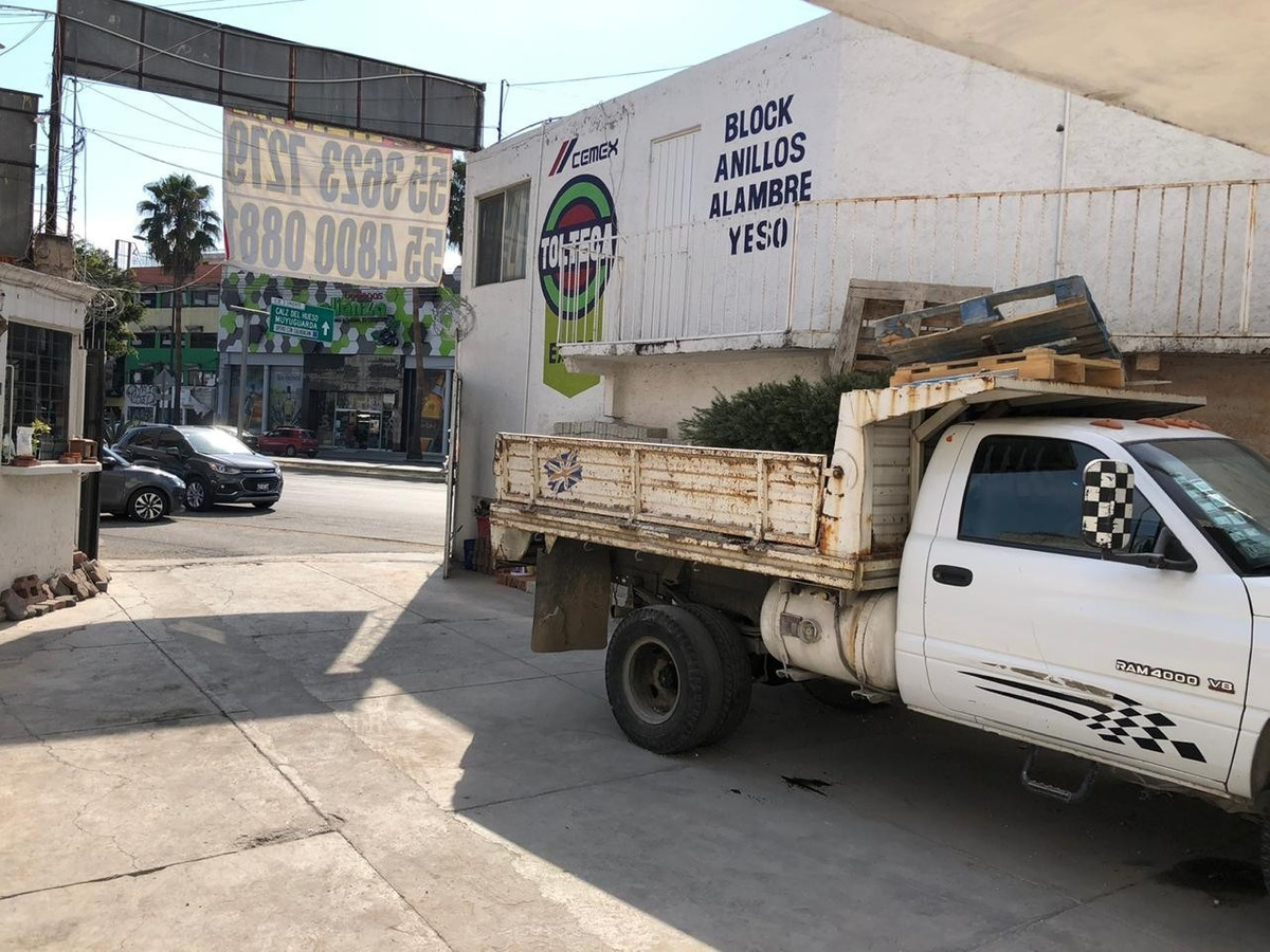 se renta terreno bien ubicado zona 100% comercial,coyoacan