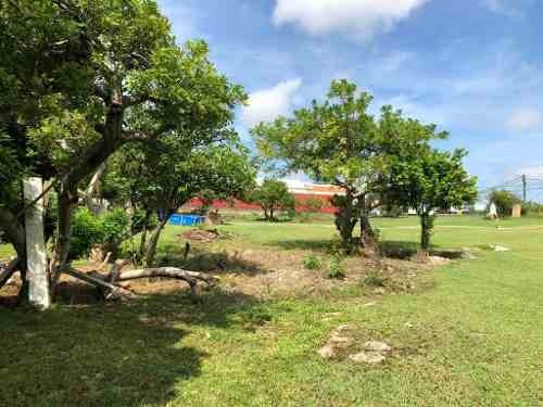 se renta terreno en  cancun entre el centro y el aeropuerto.