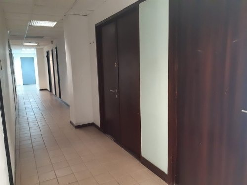 se rentan oficinas por  circuito juan pablo ii y las animas