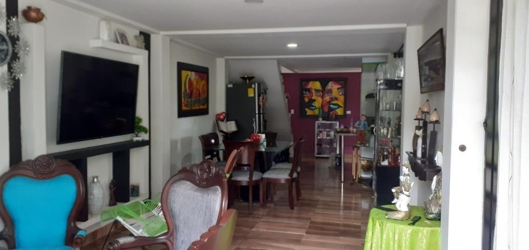 se venda hermosa casa 3 plantas