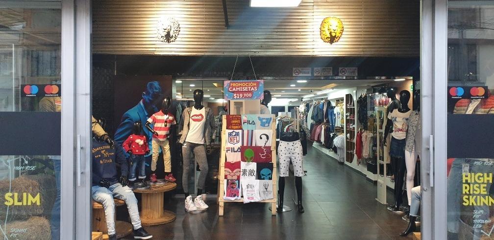se vende almacen de ropa acreditado
