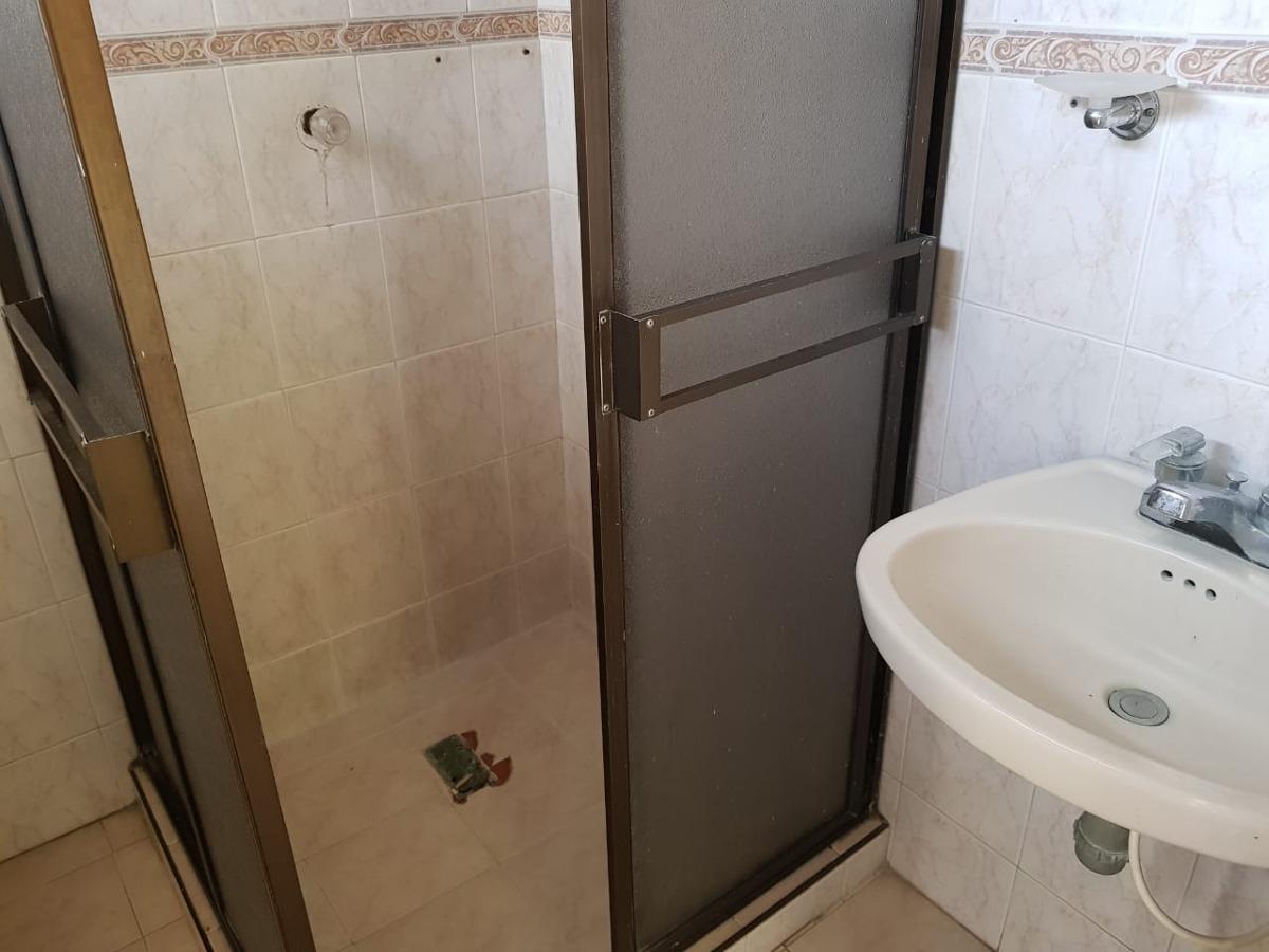 se vende  amplia casa en la isabela armenia