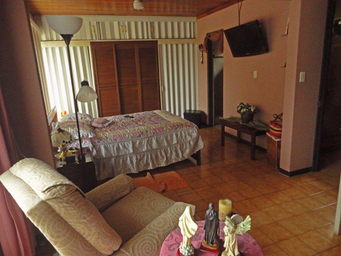 se vende amplia casa, san josé de alajuela (nhp-331)