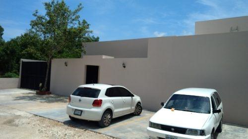 se vende amplio salon de usos multiples por huayacan