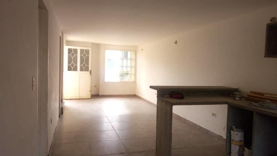 se vende amplio town house en villa tocoma