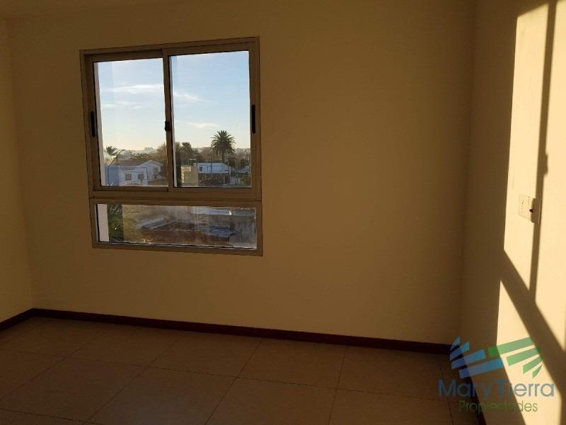 se vende apartamento a estrenar de 2 dormitorios en maldonado.-ref:2119