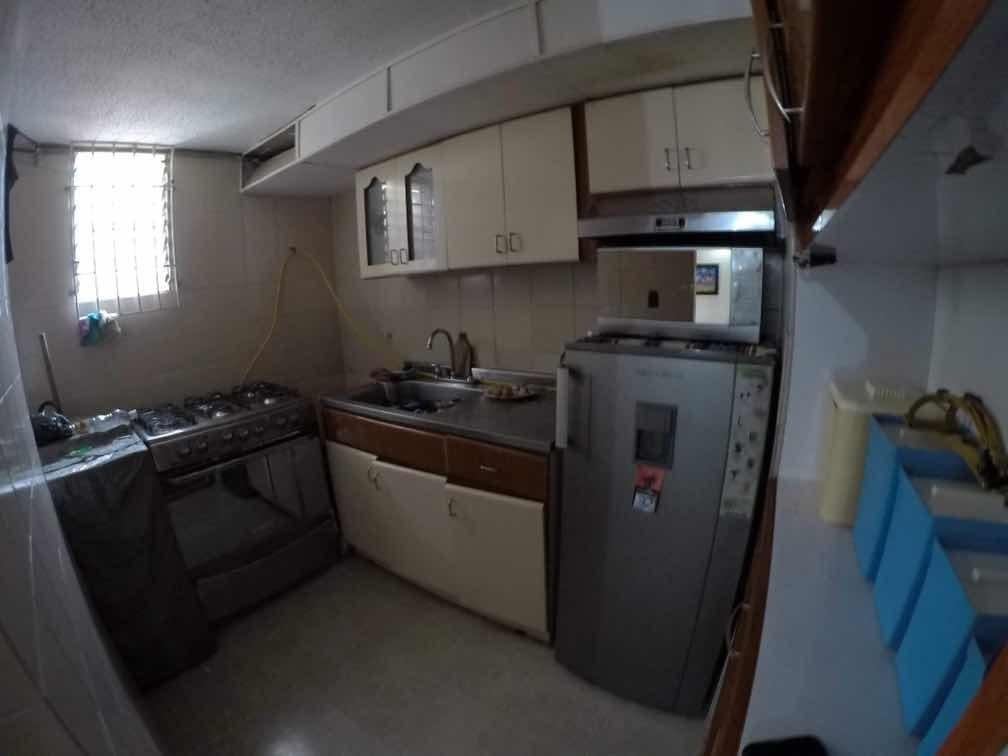 se vende apartamento con excelente ubicacion
