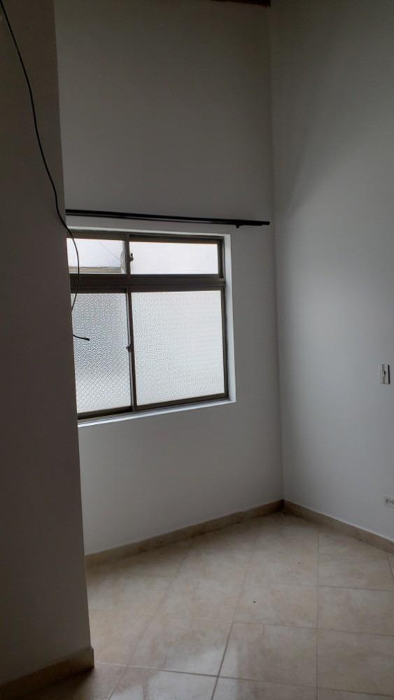 se vende apartamento con excelente ubicación, cerca al metro