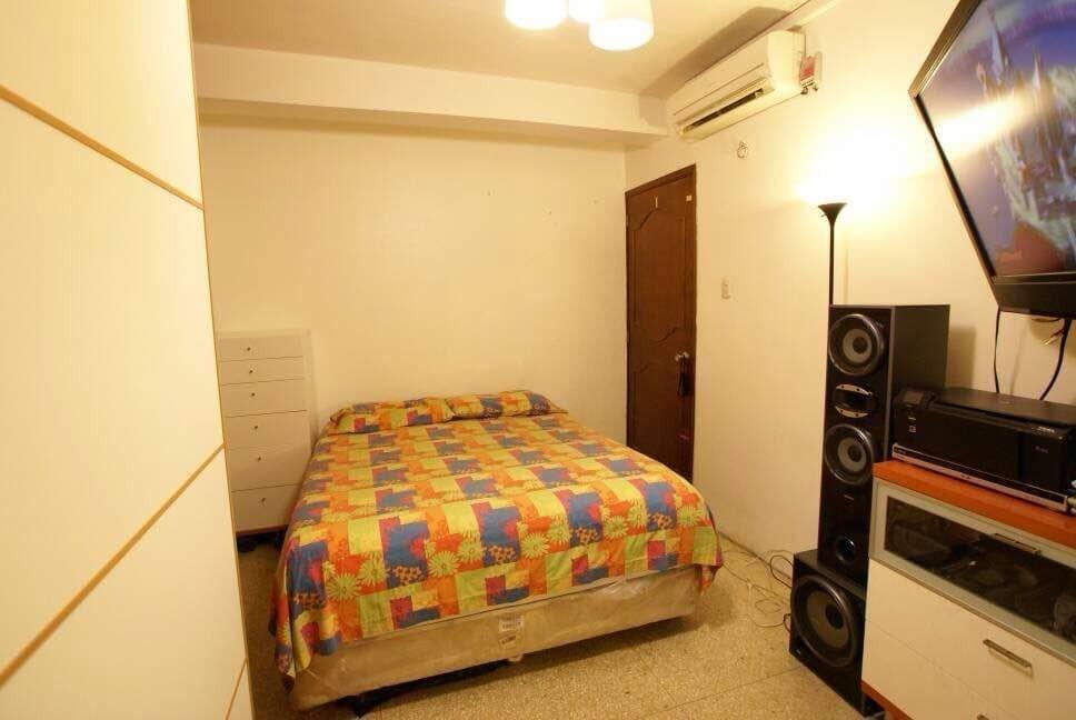 se vende apartamento en chacao 2hab 1baño remodelado