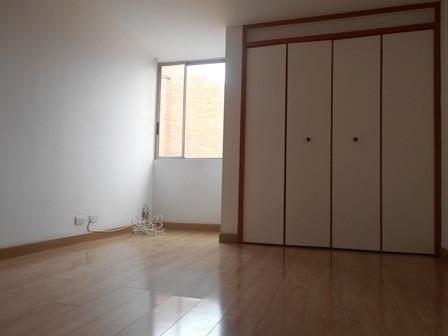 se vende apartamento en mirandela 3 cerca al cc santafe