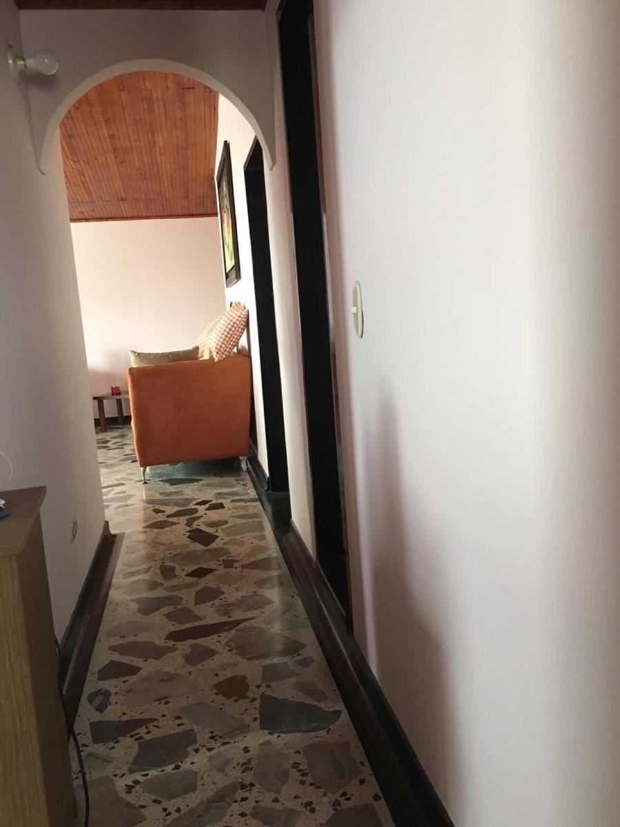 se vende apto 3 habitaciones 2 baños
