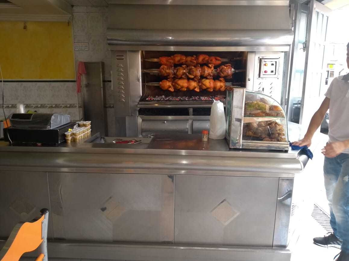 se vende asadero de pollos en castilla excelente ubicación