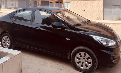 se vende auto hyundai accent 2016