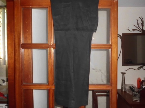 se vende bellìsimo pantalòn  para dama negro de 100% lino