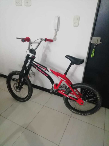 se vende bicicleta gw en perfectas condiciones