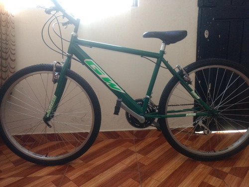 se vende bicicleta todo terreno en buen estado, poco uso.