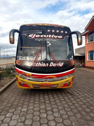se vende bus interprovincial con acciones y derechos