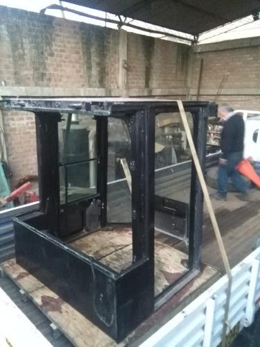se vende cabina de aplanadora carterpillar año 2012 -2013