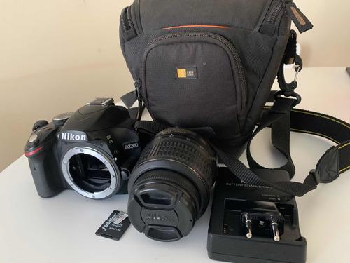 se vende cámara d3200 nikon con lente 18-55mm y accesorios