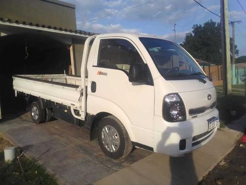 se vende  camion kia 2500 con caja playa, muy bueno!!