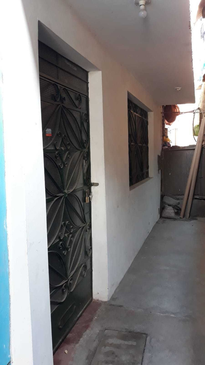se vende casa 2 pisos frente plaza vitarte  ate