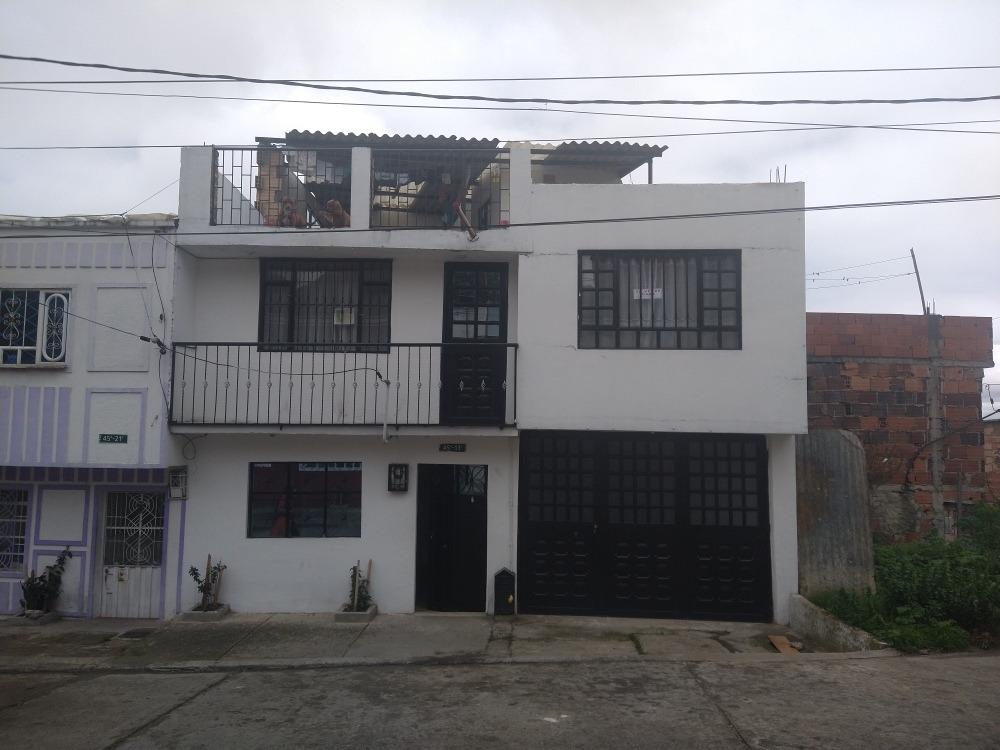 se vende casa 2 pisos y 3 para construir