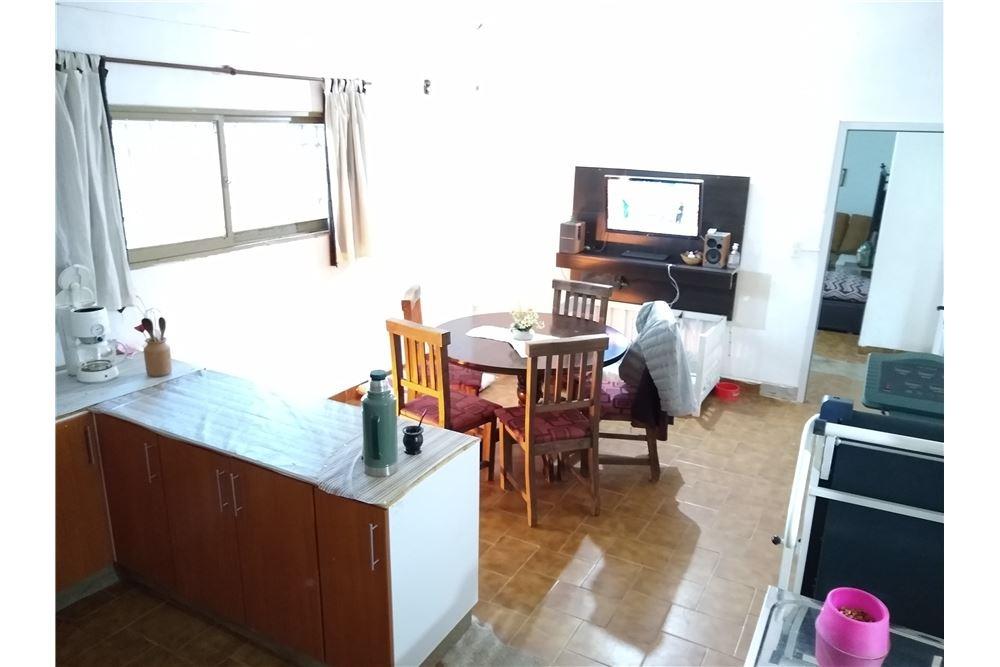 se vende casa 3 dormitorios yofre i