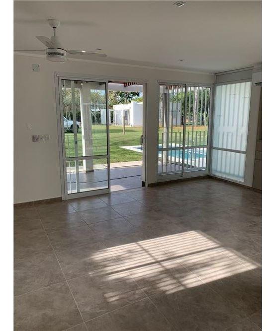 se vende casa a estrenar en villa california!