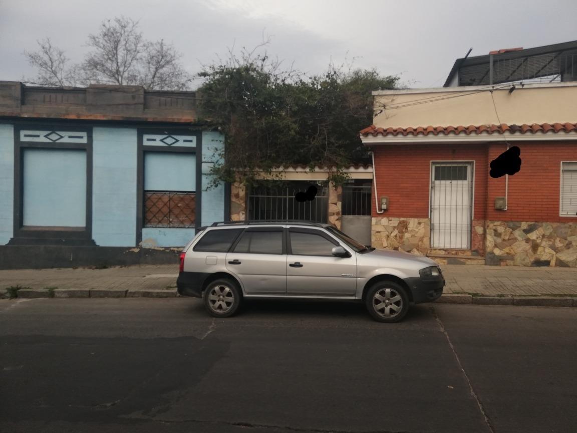 se vende casa a reciclar en la unión 3 dormitorios