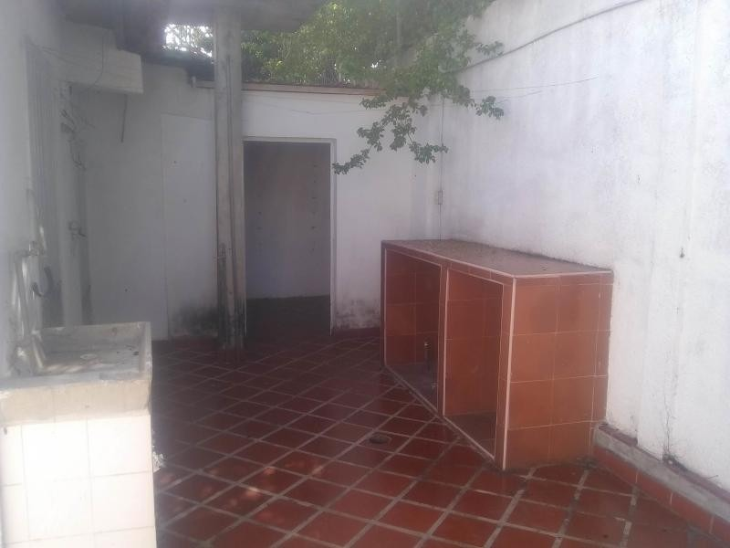 se vende casa al este de barquisimeto. cod. 20-2183