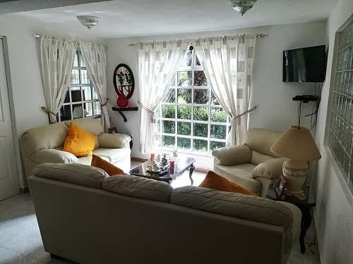 se vende casa amplia con funciones para salón de eventos