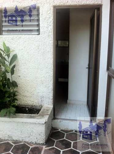 se vende casa amplia con vigilancias en el fraccionamiento burgos,  temixco morelos