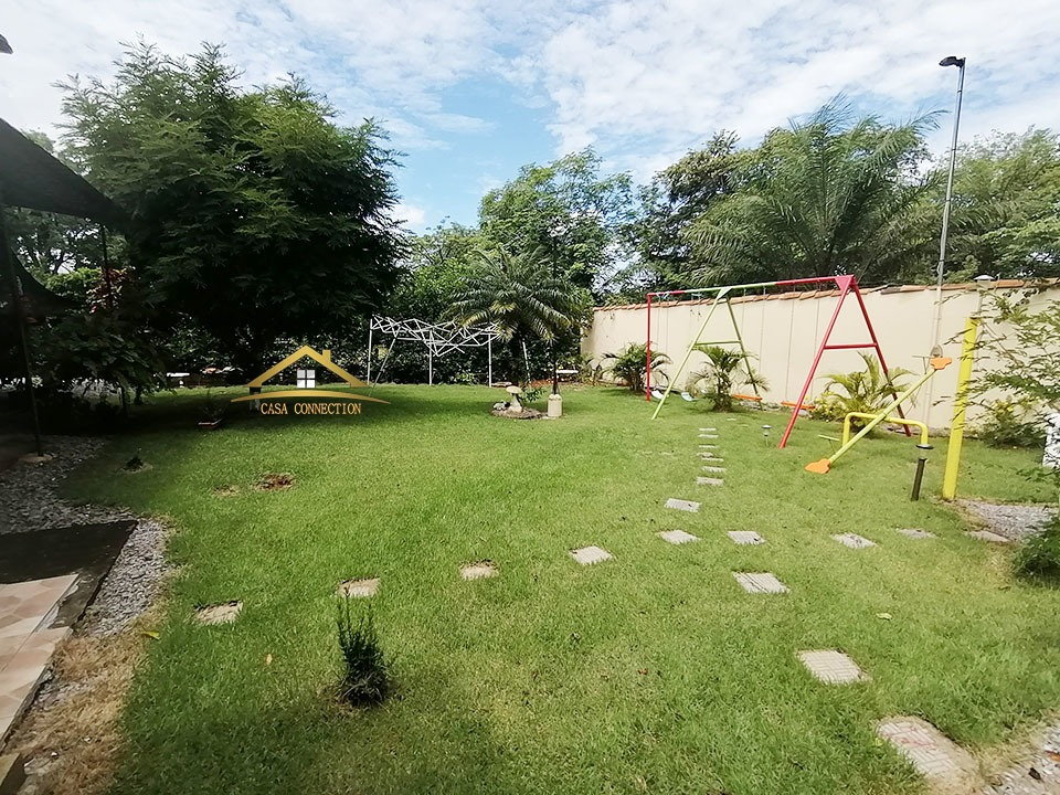 se vende casa amplio terreno en zona exclusiva de david chir