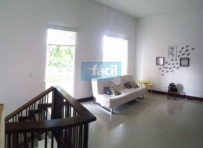 se vende casa campestre en condominio pance,área :1000 mts2.