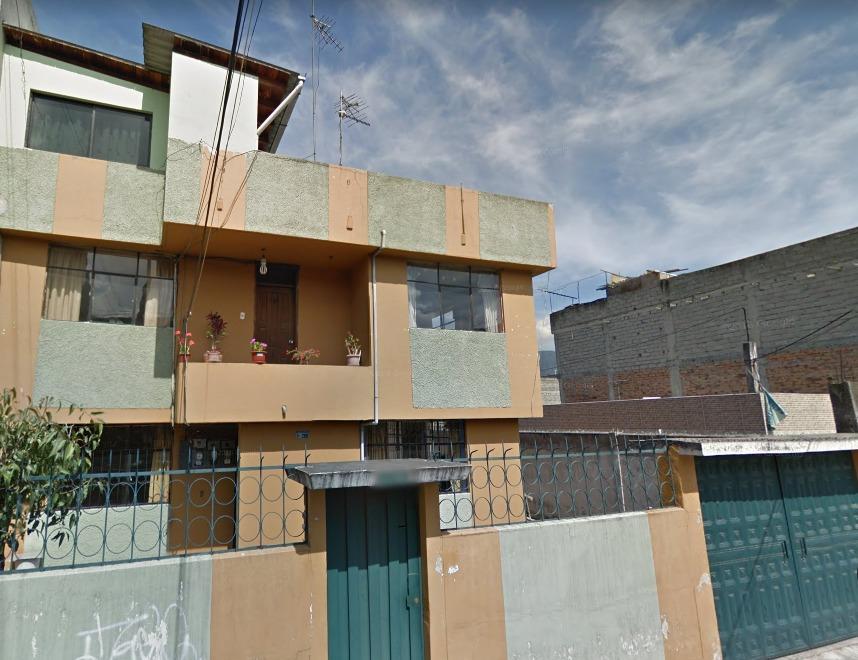 se vende casa con 3 departamentos en unión popular (guajaló)