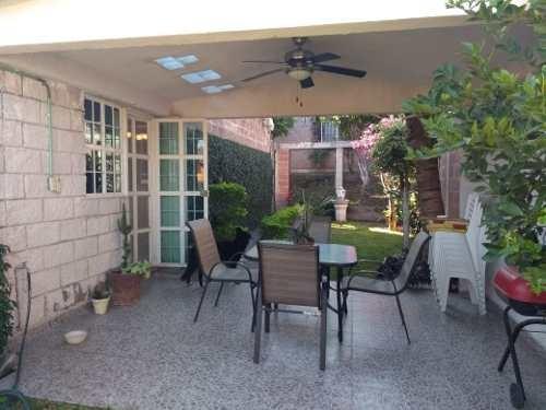 se vende casa con jardín en temixco