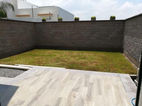 se vende casa con roof garden fracc. el mirador