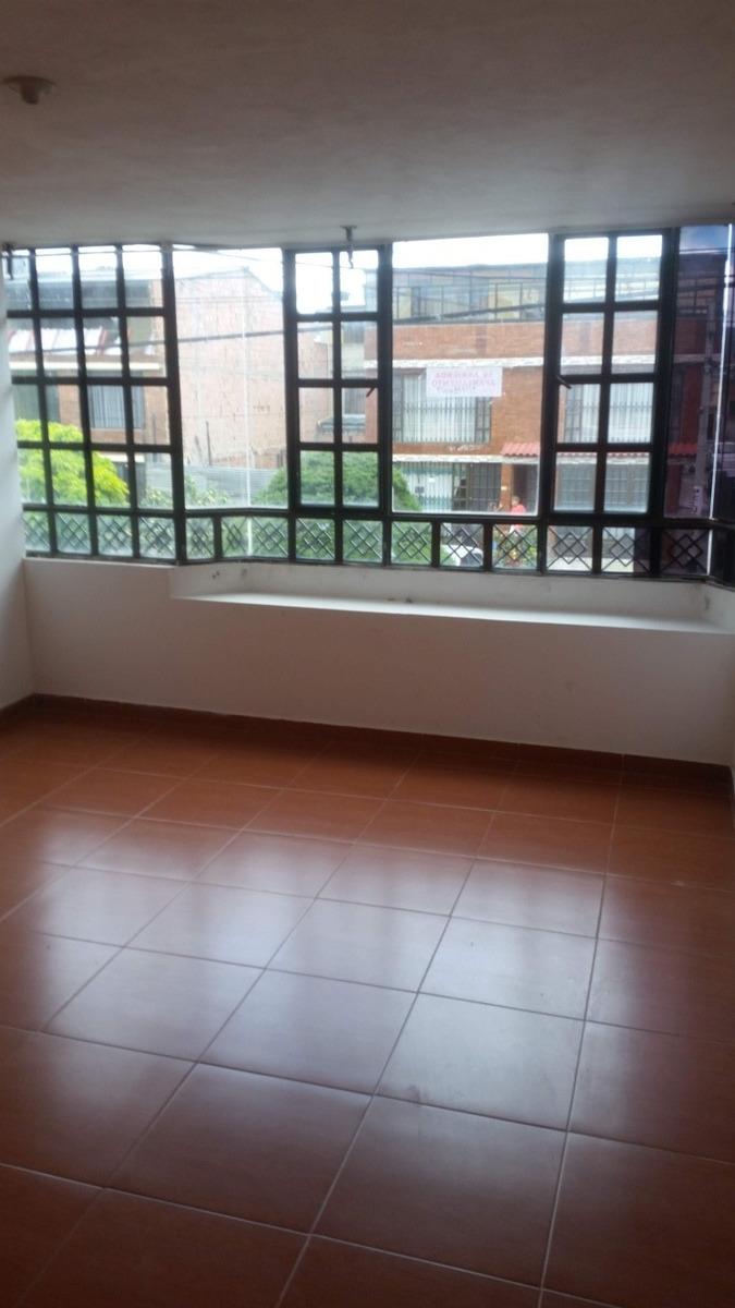 se vende casa con tres apartamentos facatativa